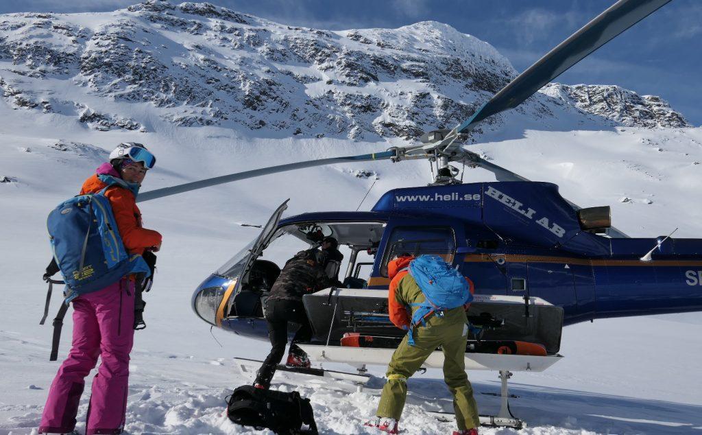 Silvia Gálfyová heli-skiing