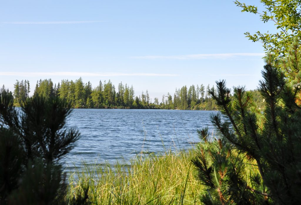 jazero vodná hladina