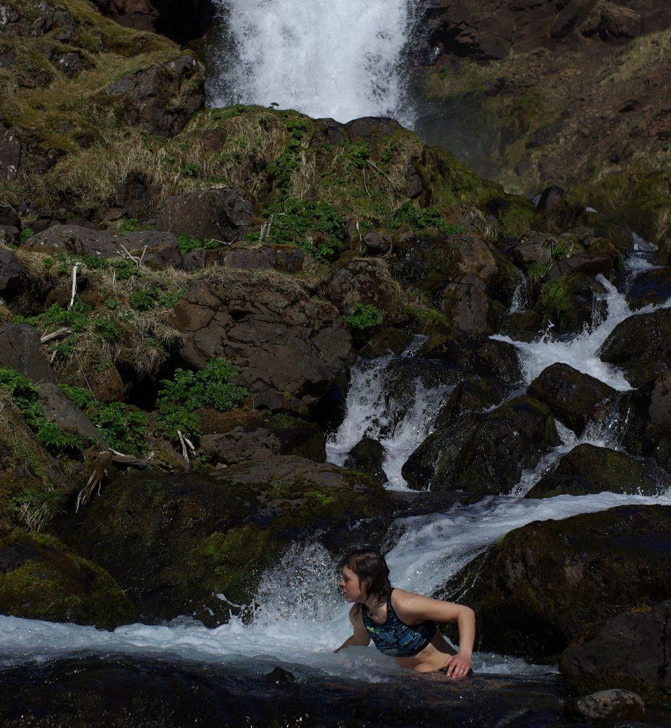 kúpanie v potoku